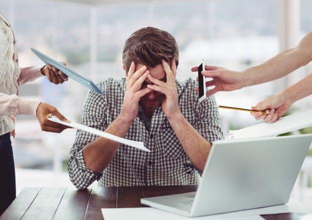 3 fatores que aumentam o estresse no trabalho