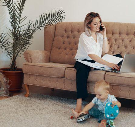 Como as empresas podem ajudar as mães em home office